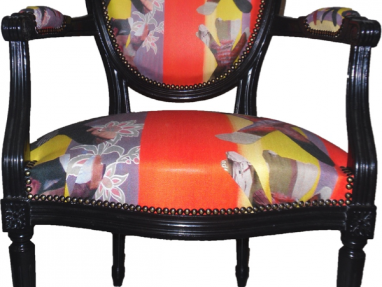 Complete renovation of a Louis XVI Cabriolet armchair - Fabric editor Berno studded finish