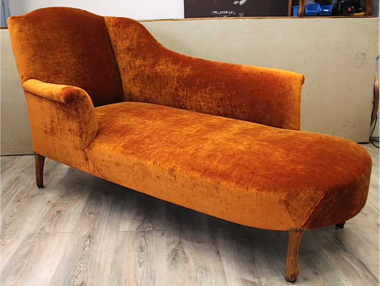 Complete réfection of a meridian sofa  - Fabric editor by Osborne & Little