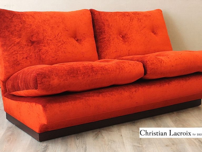 Complete réfection of a 1960s retro two-seater sofa - Christian Lacroix fabric edited by Designers Guild velvet Monceau Brandy
