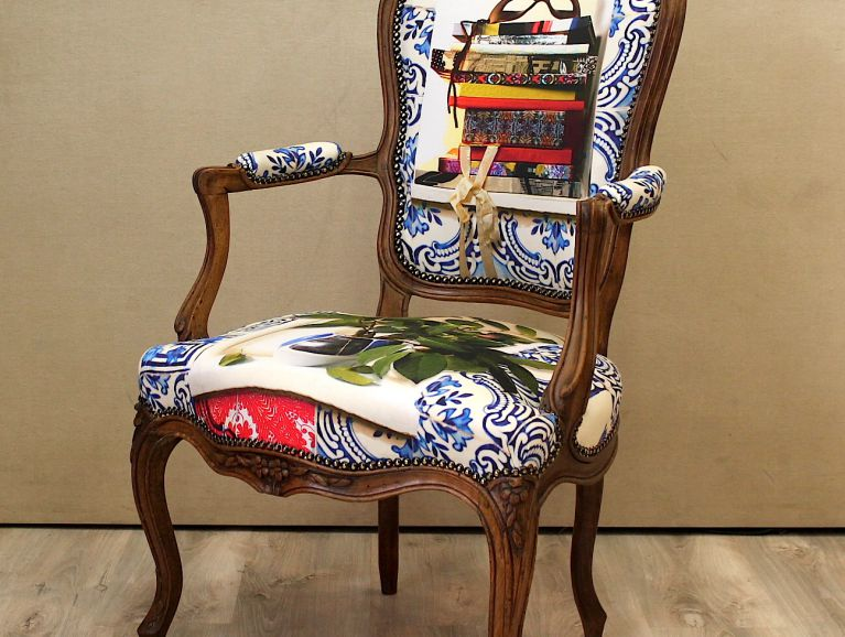Complète réfection Louis XV armchair - Christian Lacroix Patio fabric - Cobalt diffusion edited by Designers Guild finishing Renaissance studded finish