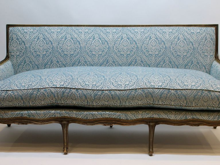Complete refection of a Louis XV sofa - Fabric from the publisher Prestigious, studded finish