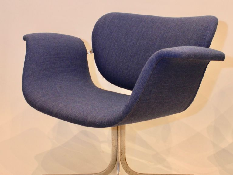 Complete refection of a chair Little Tulip designer Pierre Paulin - Fabric editor Kvadrat