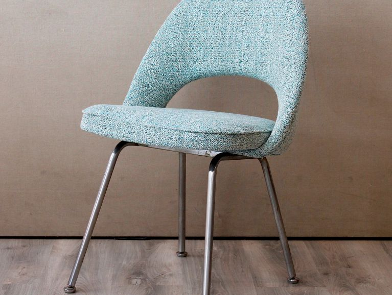complete réfection of a chair by the designer Eero Saarinen model Executive Armless Chair 1950 edited by Knoll - Fabric editor Manuel Canovas Rita Turquoise
